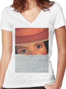 I'm coming Women's Fitted V-Neck T-Shirt