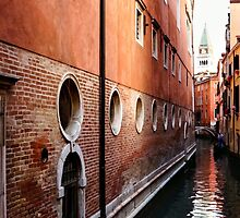 Impressions of Venice – Palaces and Side Canals by Georgia Mizuleva