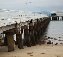 Picnic Bay Pier by dansLesprit