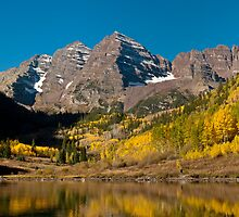 The Maroon Bells In Fall by nikongreg