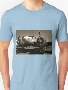 So Noran Beauty 265 Vintage Aircraft Unisex T-Shirt