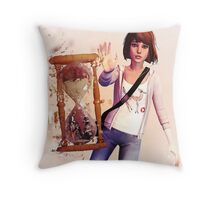Max Caulfield - Life is Strange Throw Pillow