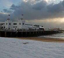 Clacton Pier in the snow by Rob Hawkins