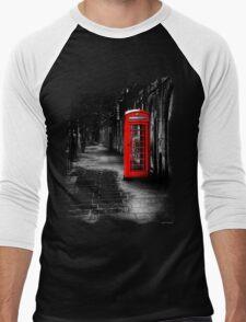 London Calling - Red British Telephone Box Men's Baseball ¾ T-Shirt