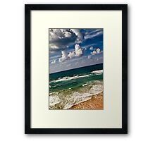 here sky and waves meet Framed Print