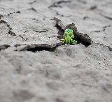 Lego Alien - Peek-a-boo! by emmkaycee
