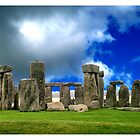 StoneHenge on a great day by Caroline Hannessen