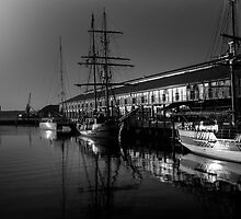 Picturesque Hobart Harbour by MonicaMulder
