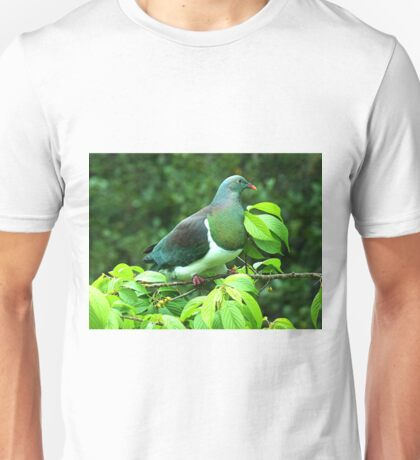 Kereru - the Native Pigeon of New Zealand. T-Shirt