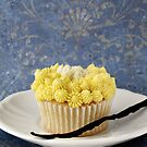 Cream and Vanilla Cupcake by Sonia Martín Mateo