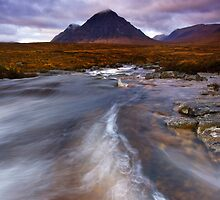 Scotland : A River Runs Though It by Angie Latham