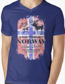 Moose - Norway Flag - Vintage Look Mens V-Neck T-Shirt