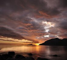 Midnight sun in the north by Frank Olsen
