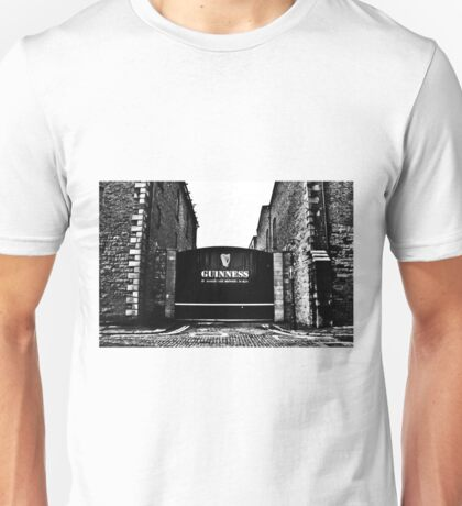 Dublin in Mono: Guinness - St. James's Gate Brewery  T-Shirt