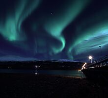 Wooden brigde with Aurora Borealis by Frank Olsen