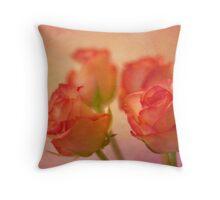 A bokeh of roses Throw Pillow