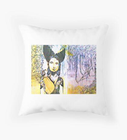 Black Bird Hunt Throw Pillow