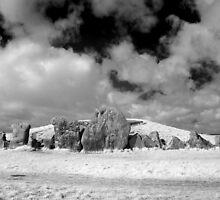 West Kennet Long Barrow by EllensEye