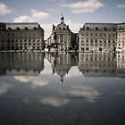 Mirrored Bordelaise Buildings in the Mirror Pond by keyconcept