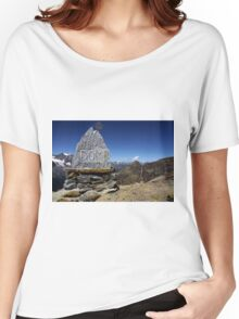 Statue DOM Women's Relaxed Fit T-Shirt