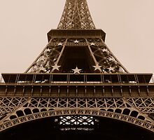Tour Eiffel by Rosa Puca