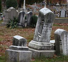 Leaning tombstone by Poete100