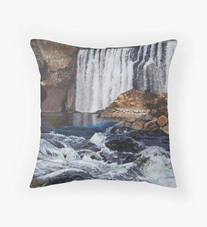 Nature at work Throw Pillow