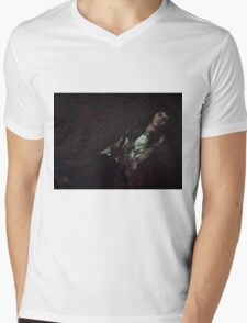 Gothic sleeping Beauty Mens V-Neck T-Shirt