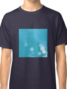 Turquoise sea bokeh Classic T-Shirt