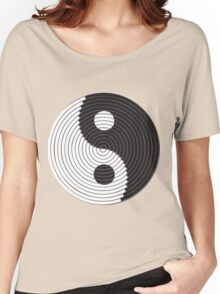 YIN AND YANG Women's Relaxed Fit T-Shirt