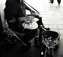 busker and audience by greg angus
