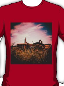 Abandoned tractors of the Isle of Wight T-Shirt