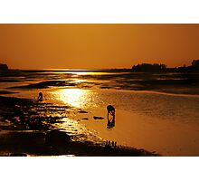 """before fishing they do """"worming"""" Photographic Print"""