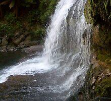 Hidden valley waterfall by pantsman