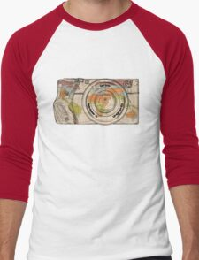 Travel The World With A Camera Men's Baseball ¾ T-Shirt