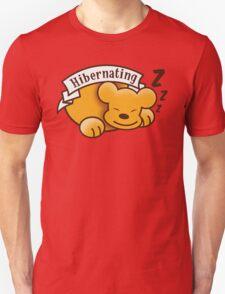 Hibernating cute sleeping bear ZZZ T-Shirt