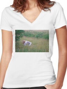 A Lady Artist Sketching Women's Fitted V-Neck T-Shirt