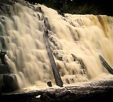 Dip falls by Damon Colbeck