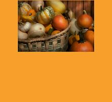 Autumn - Pumpkins in a basket Unisex T-Shirt