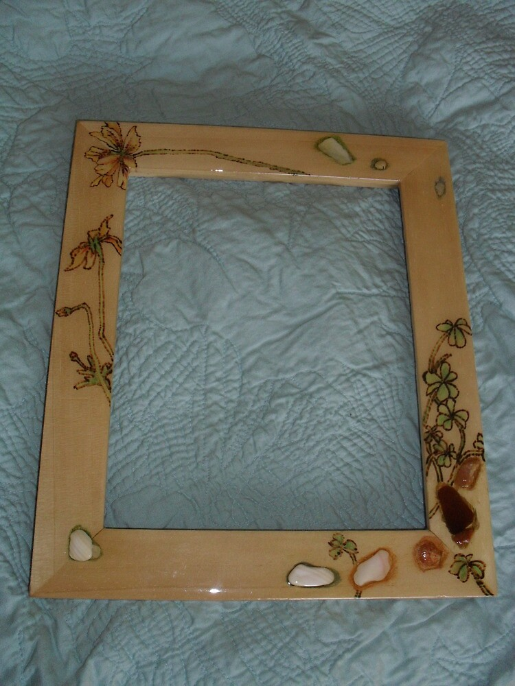 clover woodburned and seashell frame by lynnieB
