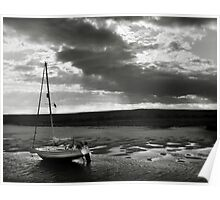 Yacht at low tide - Burnham Overy Staithe, Norfolk, UK Poster