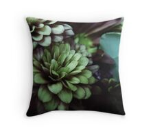 FLORA 30 Throw Pillow