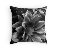 FLORA 36 Throw Pillow