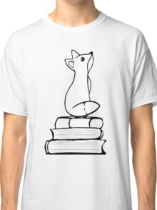 Fox on Books - With pages Classic T-Shirt