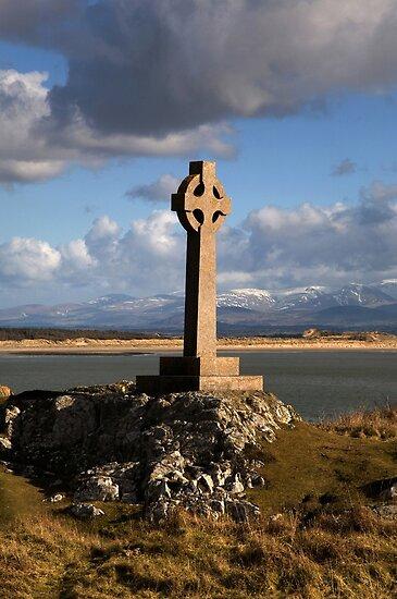 Celtic Cross (Llanddwyn Island ) by Raymond Kerr