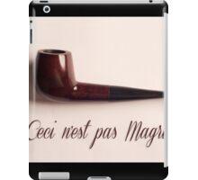 Ceci n'est pas Magritte - pipe iPad Case/Skin
