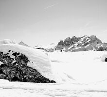 Dolomiti, snow, peaks and rocks in black and white by Francesco Malpensi