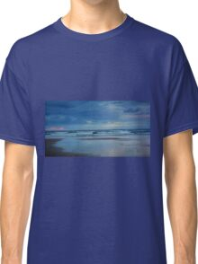 Waves roll in at sunset - Ocean Beach Classic T-Shirt