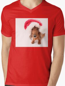 Sweet red-haired dachshund wearing Santa hat for Christmas Mens V-Neck T-Shirt