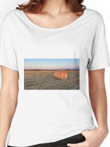 A lone hay bale Women's Relaxed Fit T-Shirt